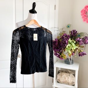 **Minor TLC Needed** Guess Long Sleeve Lace Top